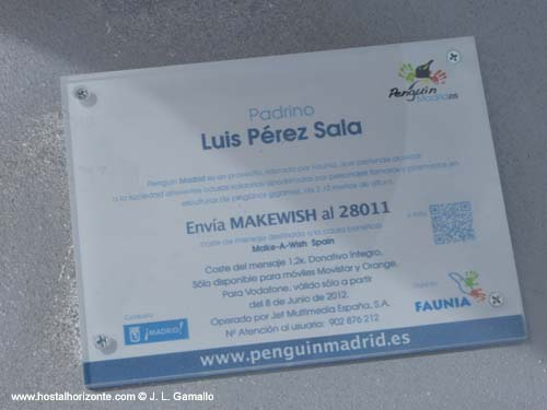 Pinguino solidario Madrid Spain 2012