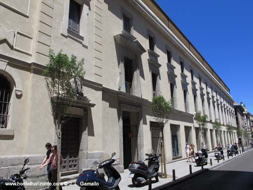 La sede colegio oficial de arquitectos de madrid coam escuelas pias de san anton hostal madrid - Colegio oficial arquitectos madrid ...