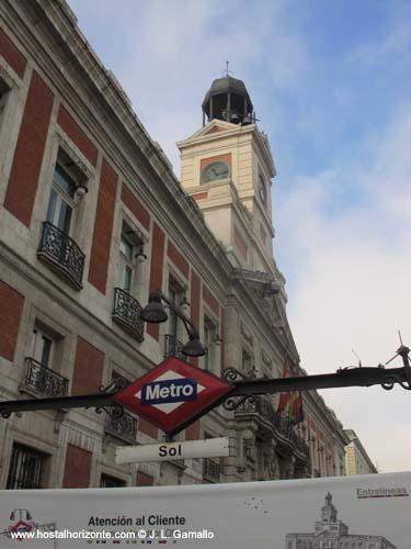 Puerta del sol real casa de correos madrid spain hostal madrid hostel pension madrid - Hostales en madrid puerta del sol ...