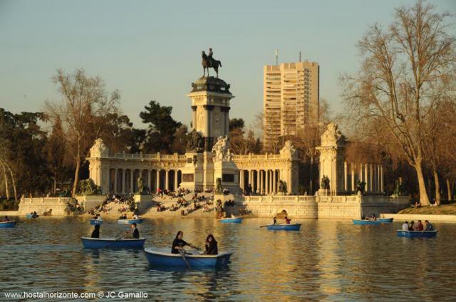 Parque del Retiro Madrid. Spain Retiro Park 0403  Hostal Madrid Hostel / Pen...