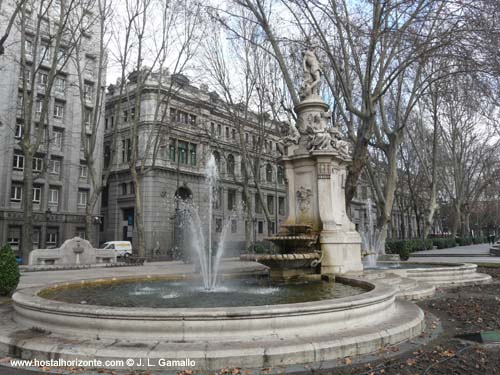 Fuente de Apolo Paseo del Prado Madrid Spain